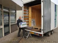 Zelf inboedel inladen in verhuisbox - SlaOpBijStrang